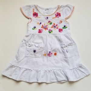 Other - 🆕️ Authentic Embroidered Mexican girls dress